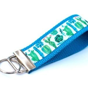 Accessories - Cactus Wristlet Keychain